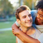 Ongehuwde buitenlandse partners mogen weer naar Nederland